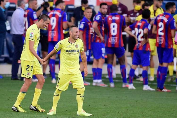 Santi Cazorla encerra passagem pelo Villarreal e vai jogar no Al-Saad (Foto: AFP)