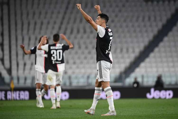 Cristiano Ronaldo teve atuação decisiva na vitória da Juventus (Foto: AFP)