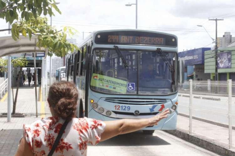 Serão 140 ônibus e 122 linhas de volta às ruas.  (Foto: Evilázio Ferreira)