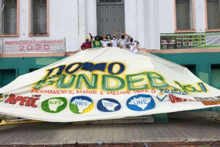 Entidades ligadas à educação fazem manifestação em apoio ao Fundeb (Foto: Divulgação)