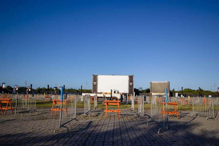 A moda dos cinemas drive-in chega hoje a Fortaleza, com a inauguração do Colosso Open Vibes (Foto: Aurelio Alves/ O POVO)