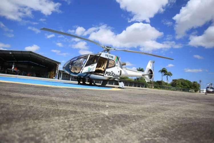 O início oficial dos trabalhadores da aeronave, batizada de Fênix 11, ocorreu na manhã desta terça-feira na base da Ciopaer, no Aeroporto de Fortaleza (Foto: Aline Freires/SSPDS)
