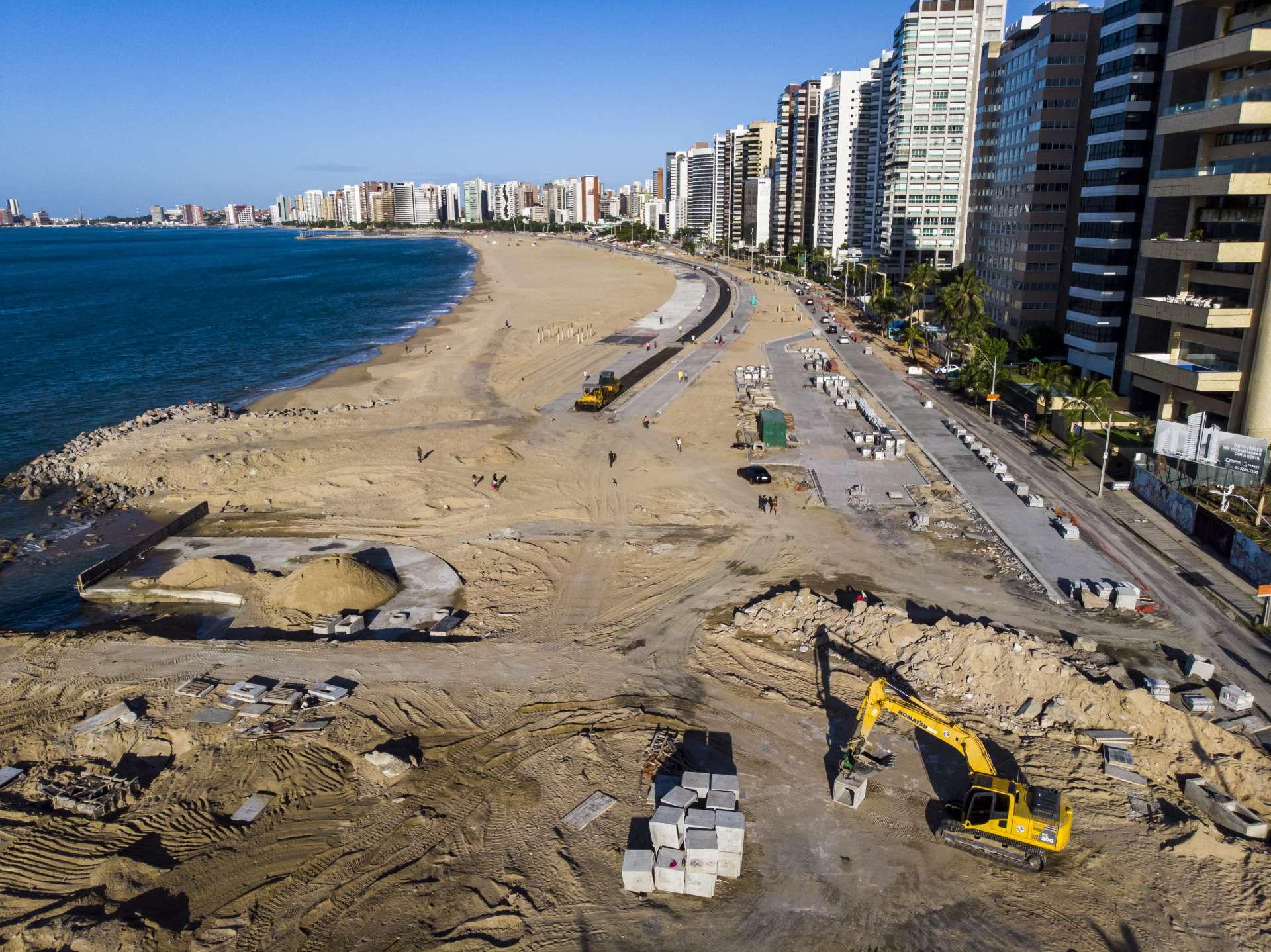 FORTALEZA, CE, BRASIL, 21.07.2020:  Obras de requalificação da Beira Mar  (FCO FONTENELE/O POVO)