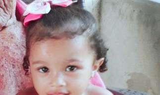A menina Ester, de três anos, deu entrada na unidade de saúde em óbito