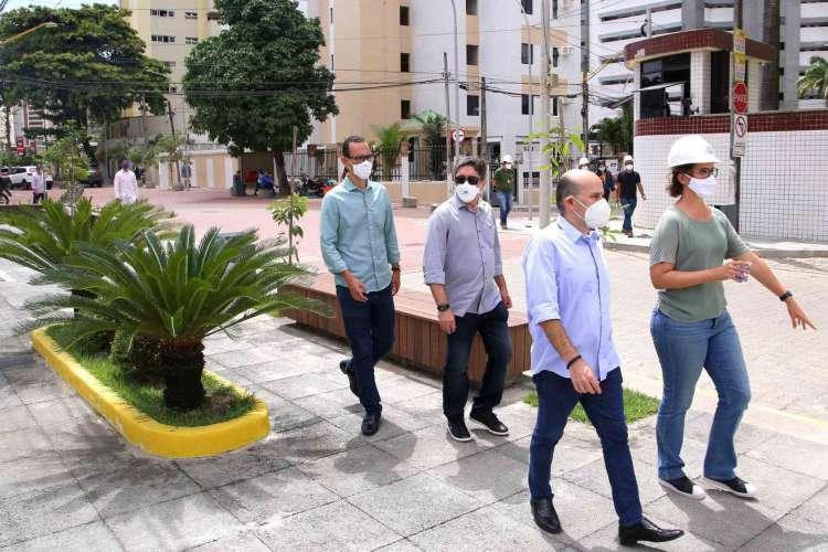 Prefeito Roberto Cláudio visitou o local na manhã desta terça-feira, 21. (Foto: Divulgação/Prefeitura de Fortaleza)