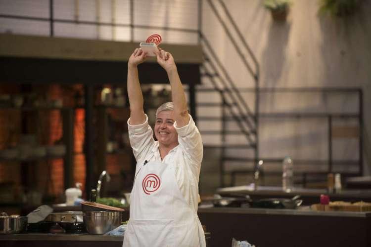 Foram duas provas. Na primeira, os oito competidores tiveram que reproduzir uma torta de frutas francesa. Na segunda, o desafio era preparar um hambúrguer. (Foto: Divulgação/MasterChef Brasil)