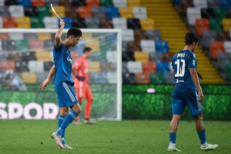 Cristiano Ronaldo e Dybala lamentam derrota que adiou conquista do Campeonato Italiano (Foto: AFP)