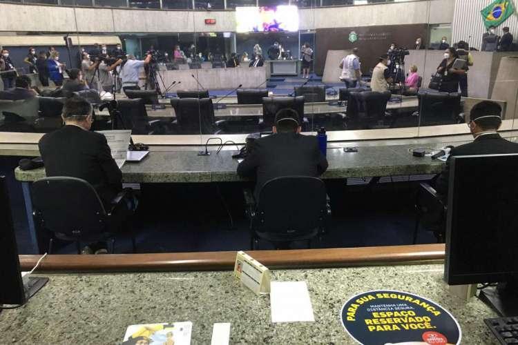 23.07.2020. Assembleia Legislativa do Ceará volta a ter sessão presencial com medidas de segurança sanitária. (Foto: Thais Mesquita/O Povo)