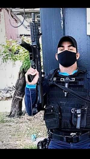 O policial salvou vítimas de um incêndio  (Foto: foto: reprodução)