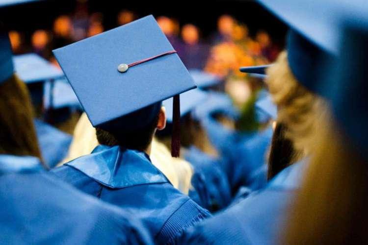 Em meio à pandemia, faculdades têm se adaptado para realizar o aguardado momento da colação de grau (Foto: Reprodução)