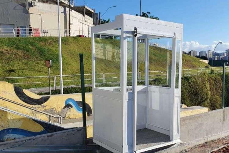 Cabine funicular está sendo construída para facilitar acesso ao morro Santa Terezinha. Foto: Asscom/Seinf (Foto: Foto: Asscom/Seinf)