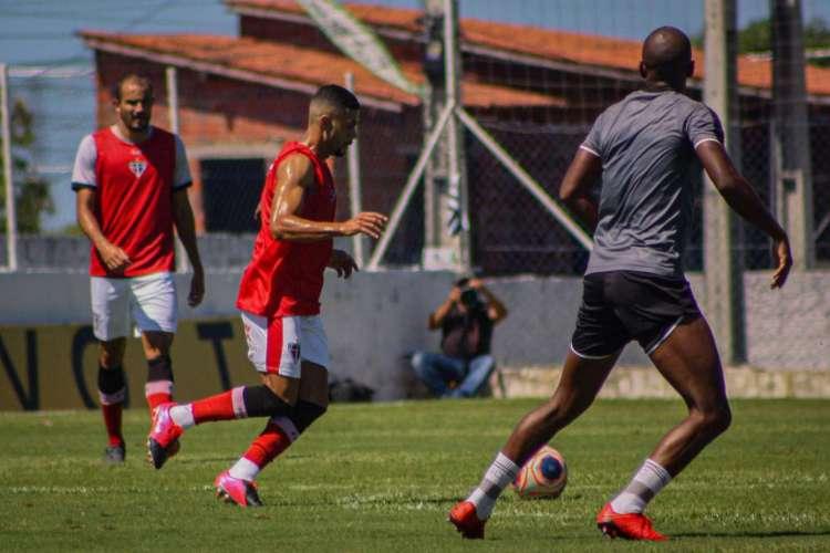 Jogo-treino entre Ferroviário e Ceará, na Cidade Vozão (Foto: Lenilson Santos/Ferroviário AC)