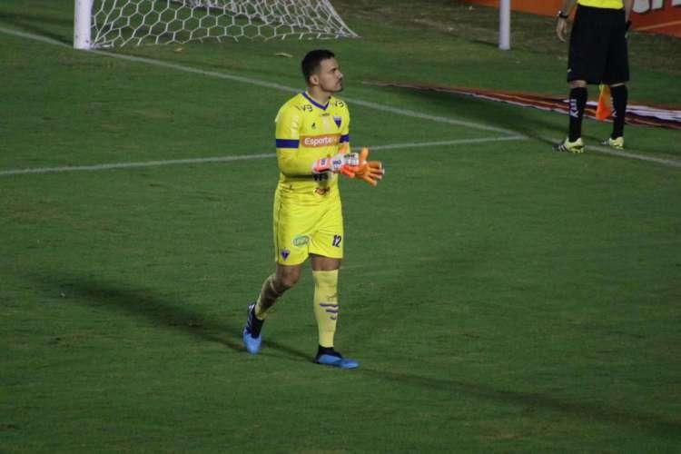 Felipe Alves saiu como herói nas quartas de final do Nordestão (Foto: Bruno Oliveira / FortalezaEC)