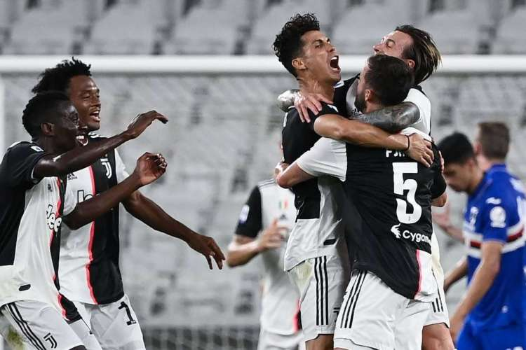 Juventus de Cristiano Ronaldo recebe hoje a Inter de Milão, pelo Campeonato Italiano. Jogo terá transmissão ao vivo. Confira onde assistir e horário da partida (Foto: AFP)