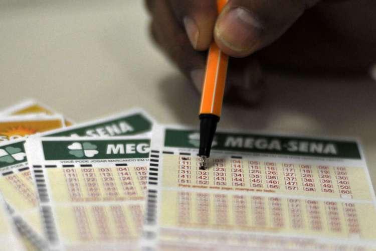 A quina teve 41 apostas vencedoras; cada um vai receber R$ 39.429,16 (Foto: Marcello Casal Jr/Agência Brasil)
