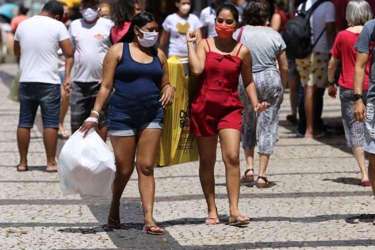 FORTALEZA, CE, BRASIL, 27.07.2020: Lojas e comércio são liberados para abrir às 9h em nova fase da retomada da economia.  Centro.  (foto:Fabio Lima/O POVO) (Foto: Fabio Lima)