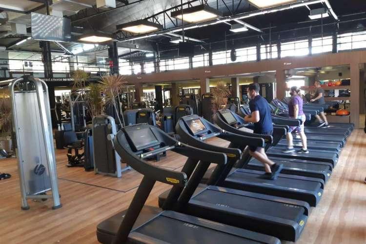Em Fortaleza, as academias estão fechadas desde 5 de março. (Foto: Divulgação/AYO Fitness Club)