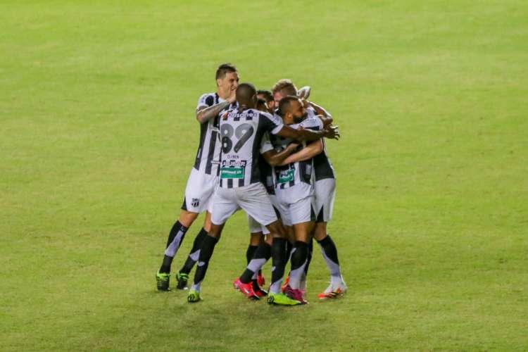 Vovô venceu o Fortaleza por 1 a 0 para chegar à decisão  (Foto: Felipe Santos/cearasc.com)