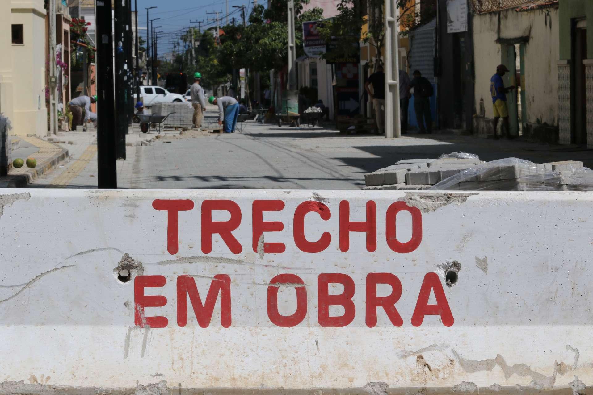 FORTALEZA, CE, BRASIL, 28.07.2020: Obras na rua Tabajaras. praia de Iracema.  (foto:Fabio Lima/O POVO)