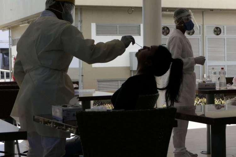 Método aplicado será o SWAB, que coleta amostras de secreções respiratórias (Foto: Roque de Sá/Agência Senado)