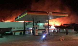 Incêndio próximo a entrada do município de Orós ocorre nesta quarta-feira, 29