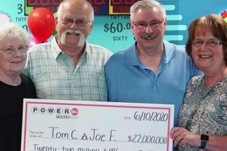 Vendido em 45 estados norte-americanos, as chances de vencer o prêmio acumulado da Powerball são de 1 em quase 300 milhões.  (Foto: Divulgação / Wisconsin Lottery)