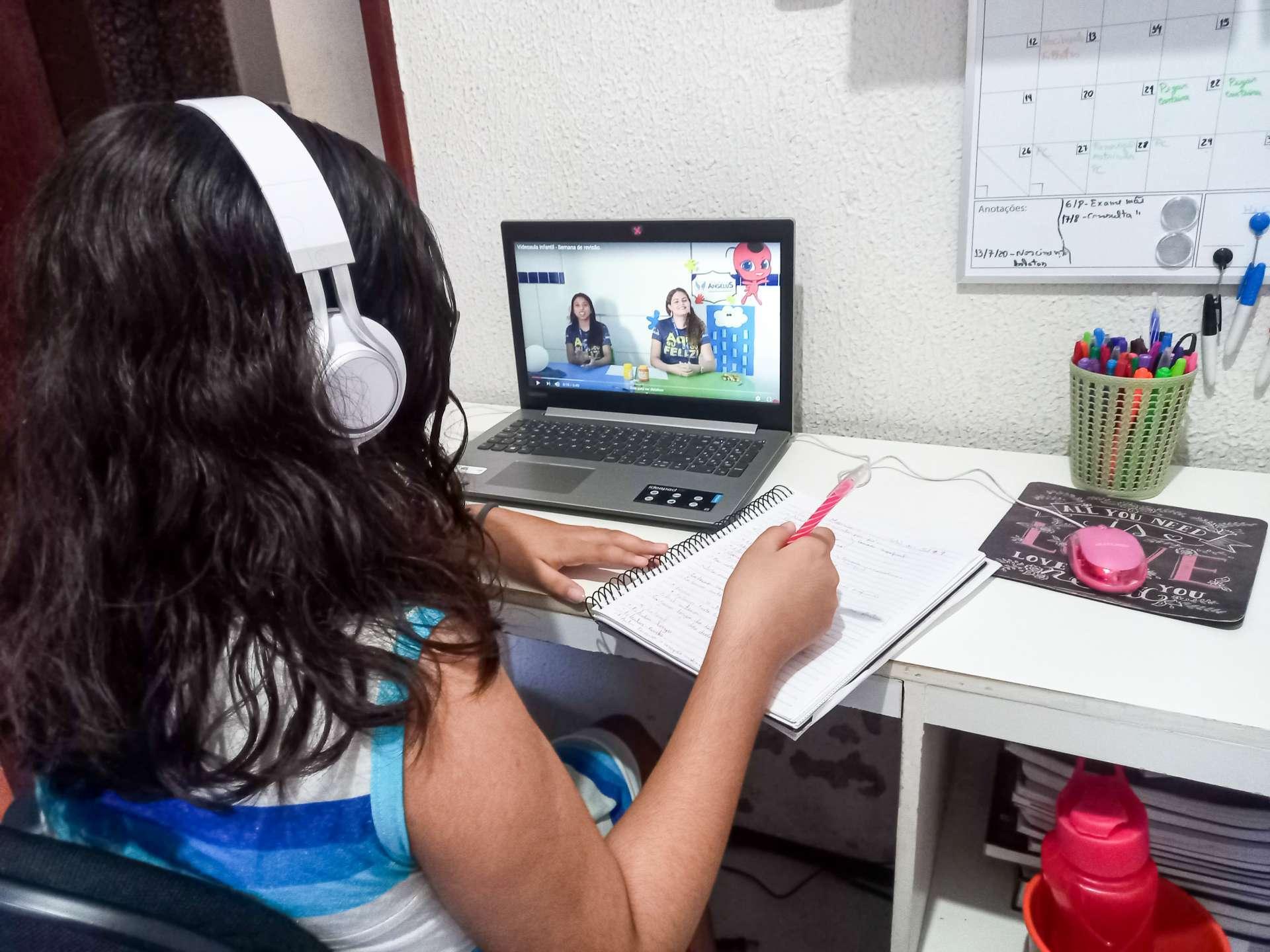 Além das aulas, escolas precisaram repensar forma de avaliação dos alunos (BARBARA MOIRA/ O POVO)