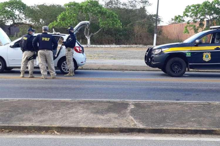 Material foi apreendido pela PRF na Região Metropolitana (Foto: Divulgação/PRF)