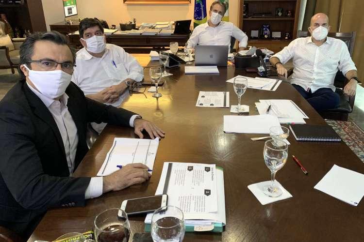 Reunião do Comitê Científico da Covid-19 no Ceará ocorreu nesta sexta-feira, 31 (Foto: Reprodução/Twitter)