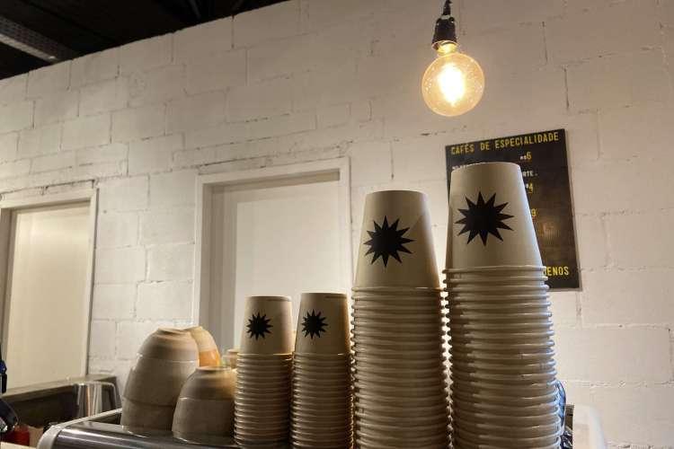 A cafeteria, que  não trabalha com carne, é um novo espaço para o público vegetariano e também para o vegano. (Foto: Divulgação)