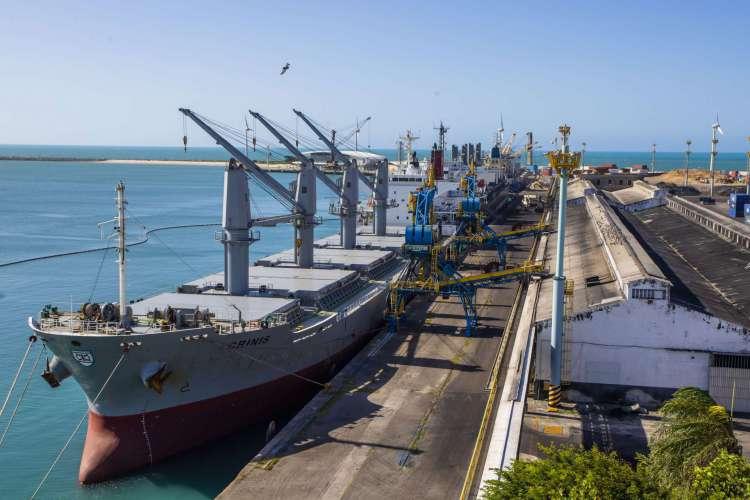 FORTALEZA, CE, BRASIL, 28.07.2020:  ESPECIAL LOGÍSTICA - Cais do porto de Fortaleza (Companhia Docas do Ceará) (FCO FONTENELE/O POVO) (Foto: FCO FONTENELE)