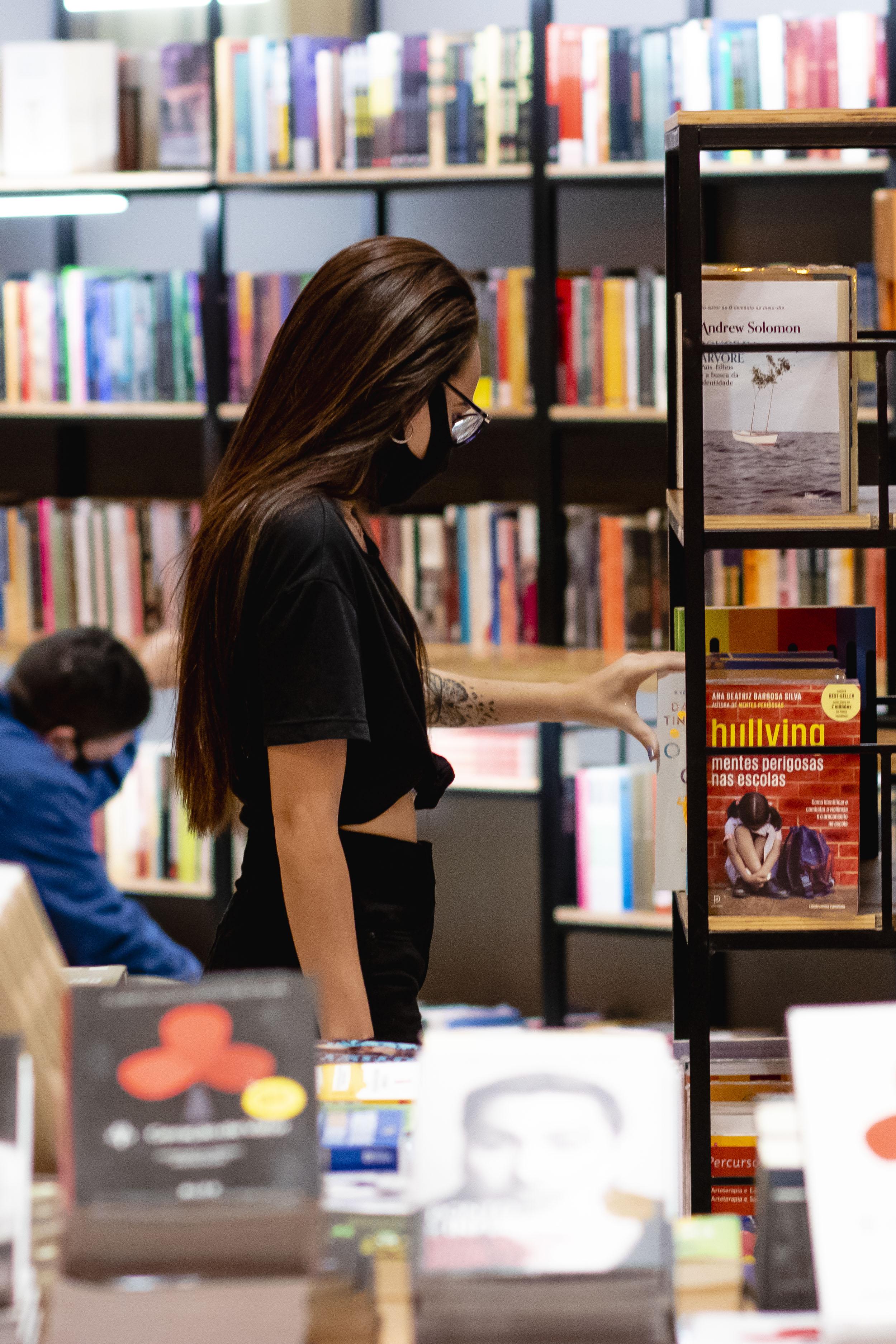 A venda de livros no Brasil aumentou. Entre 5 de abril de 2021 e 2 de maio, as livrarias faturaram R$ 180 milhões.