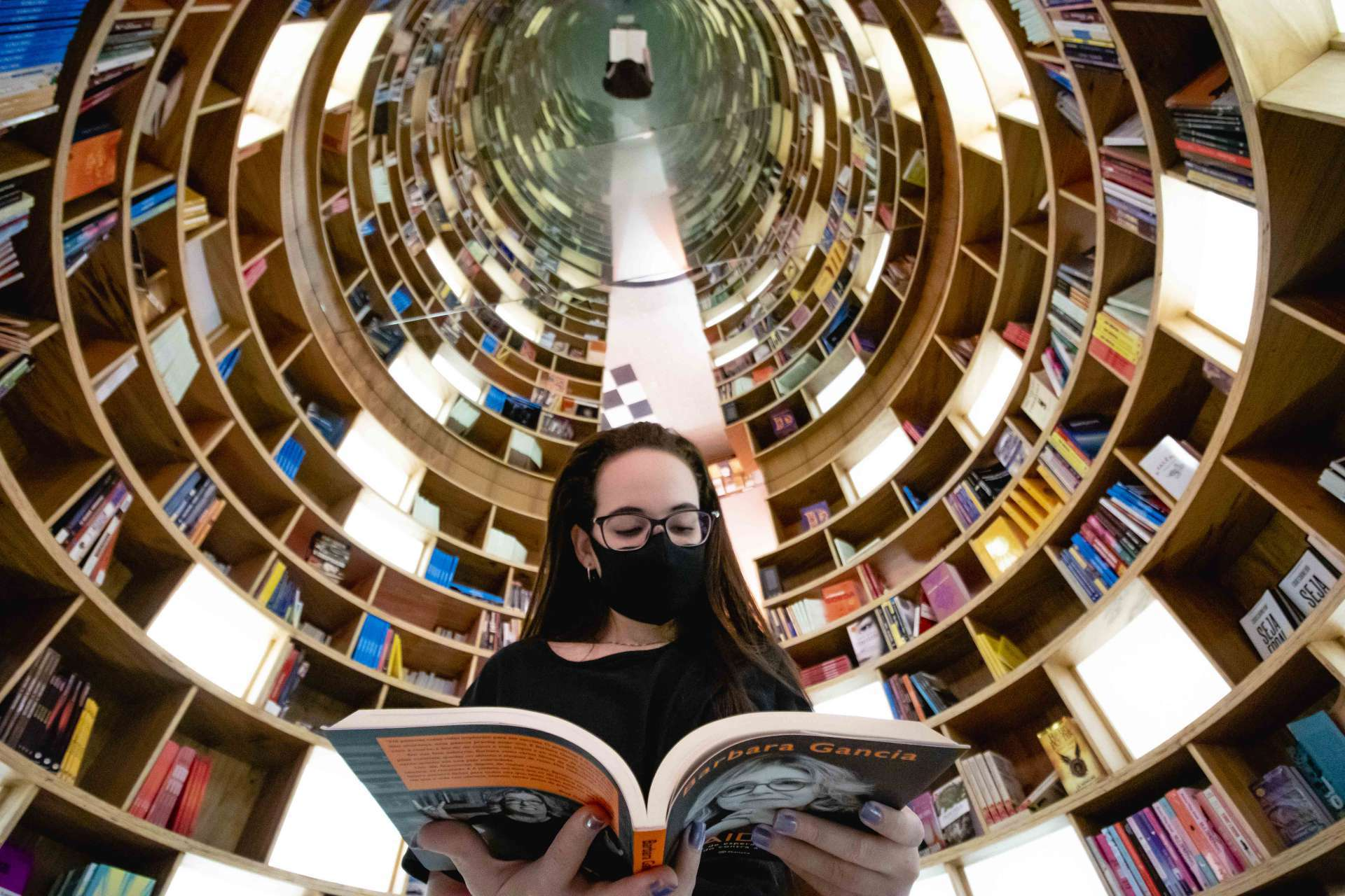 4,6 milhões de pessoas deixaram o hábito de leitura em quatro anos. (Foto: Aurélio Alves / O Povo)
