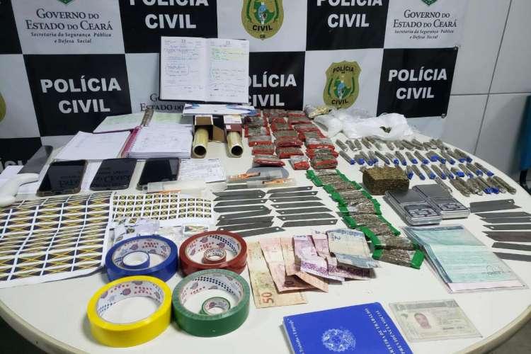 Vasto material que indica práticas ilícitas foi encontrado na residência de Leonardo (Foto: Divulgação/SSPDS)