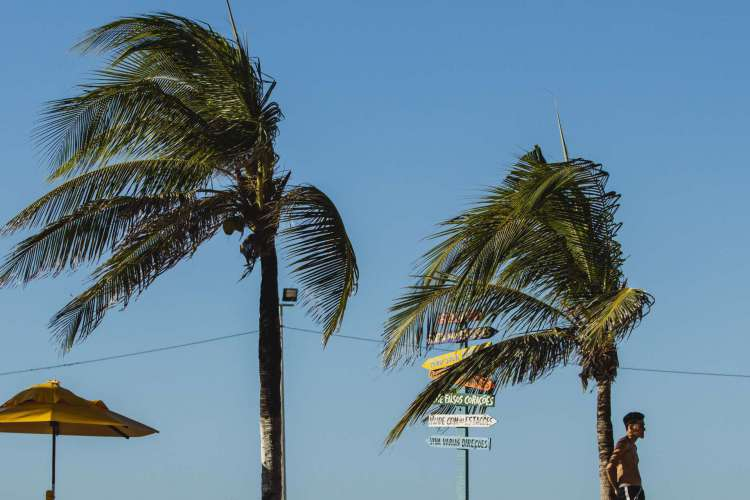 Ventos na orla de Fortaleza, na Praia de Iracema. (Foto: Aurelio Alves/ O POVO)