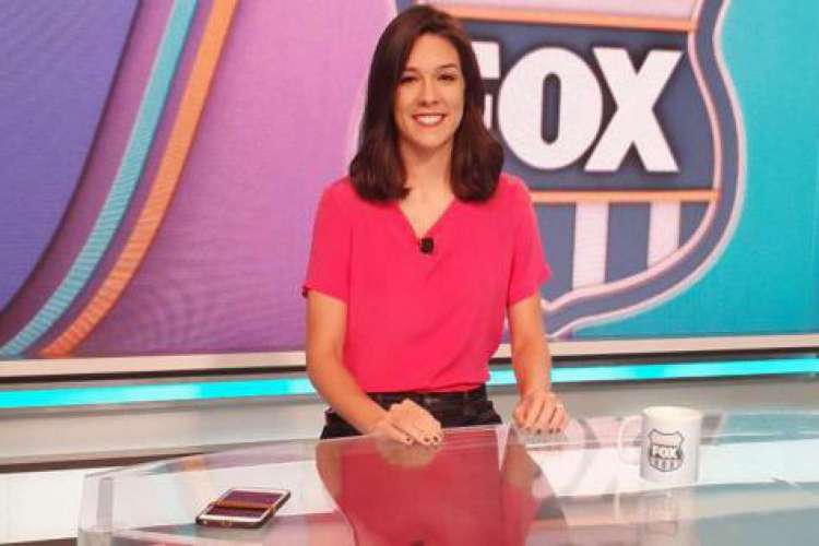 Renata Silveira faz parte do time de narração da Fox Sports desde 2018 (Foto: Reprodução)