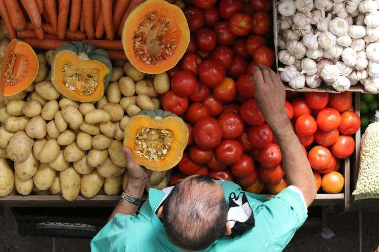 Alimentação saudável ajuda a evitar problemas de saúde (Foto: Fabio Lima)