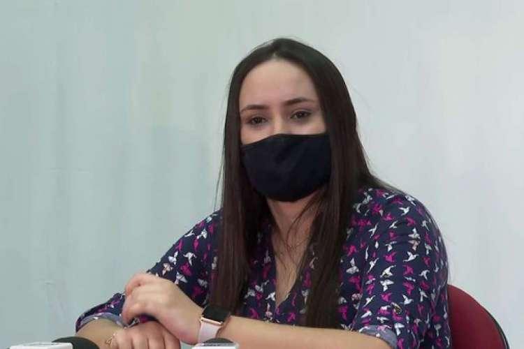 Gabriela Carla da Silva, técnica de enfermagem de 24 anos, passará por bateria de exames após suspeita de reinfecção por Covid-19 em Ribeirão Preto, SP (Foto: Luciano Tolentino/EPTV)