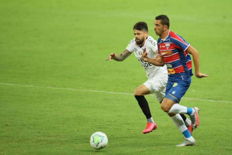 Fortaleza e Athletico-PR se enfrentaram pela primeira rodada do Brasileirão. (Foto: JL Rosa/O POVO)