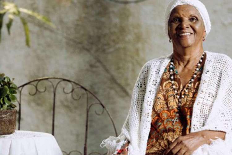 Em sua trajetória, atuou no teatro nacional por mais de 60 anos destacando-se como grande personalidade da representatividade negra na arte do Brasil. (Foto: Divulgação)
