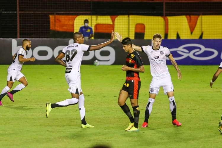 Sport e Ceará se enfrentam pela primeira rodada do Campeonato Brasileiro (Foto: Felipe Santos/cearasc.com)