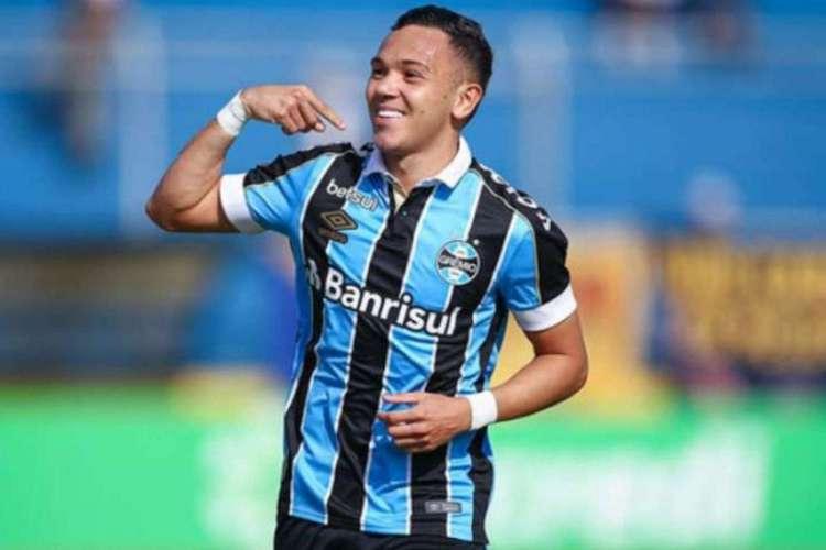 Pepê é o substituto natural de Éverton, que está de saída para o Benfica-POR  (Foto: Divulgação/Grêmio FBPA)