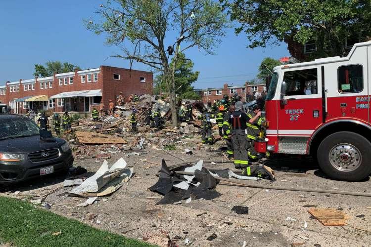 É relatado que uma pessoa morreu e outras estão presas nos escombros (Foto:  Baltimore Firefighters IAFF Local 734)