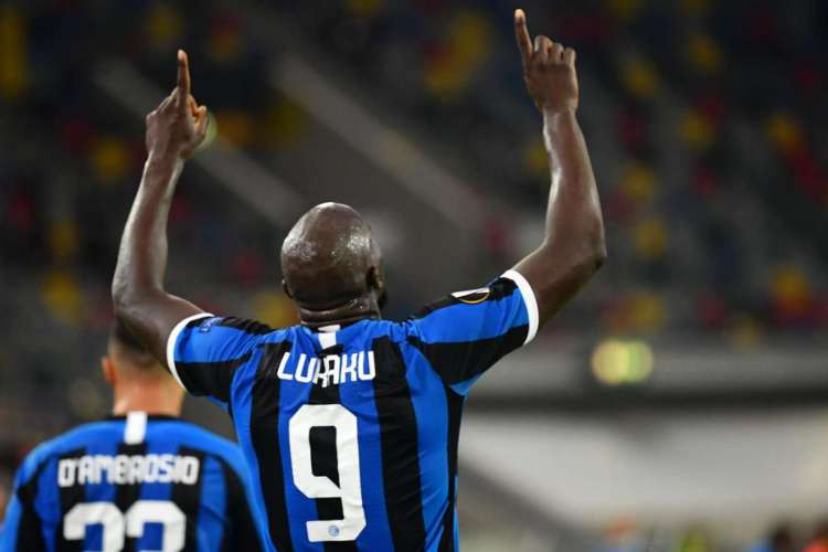 Lukaku marcou um dos gols da vitória da Inter de Milão diante do Leverkusen (Foto: Reprodução / Uefa)