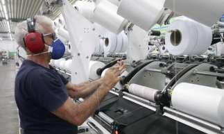 Apesar do cenário positivo, em comparação com junho de 2019, o setor industrial teve redução de 22,1%