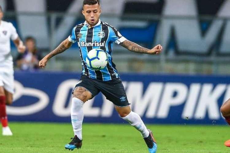Matheus Henrique está na mira de clubes europeus e tem convocações frequentes para a Seleção Brasileira  (Foto: Lucas Uebel/Grêmio)