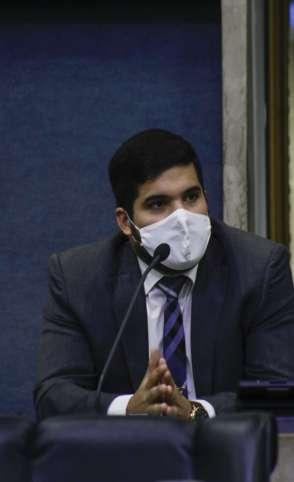 O PRÓPRIO André Fernandes defendeu que votação fosse aberta para que todos soubessem as escolhas do deputados