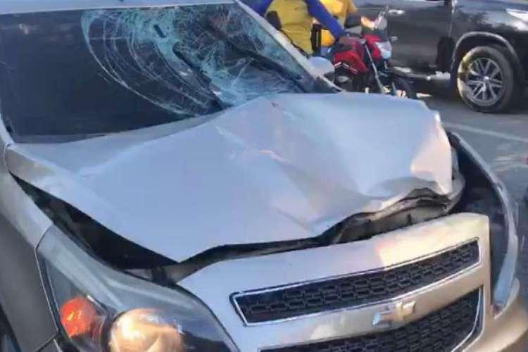 Carro atropelou a vítima, que conduzia bicicleta (Foto: Whatsapp O POVO)