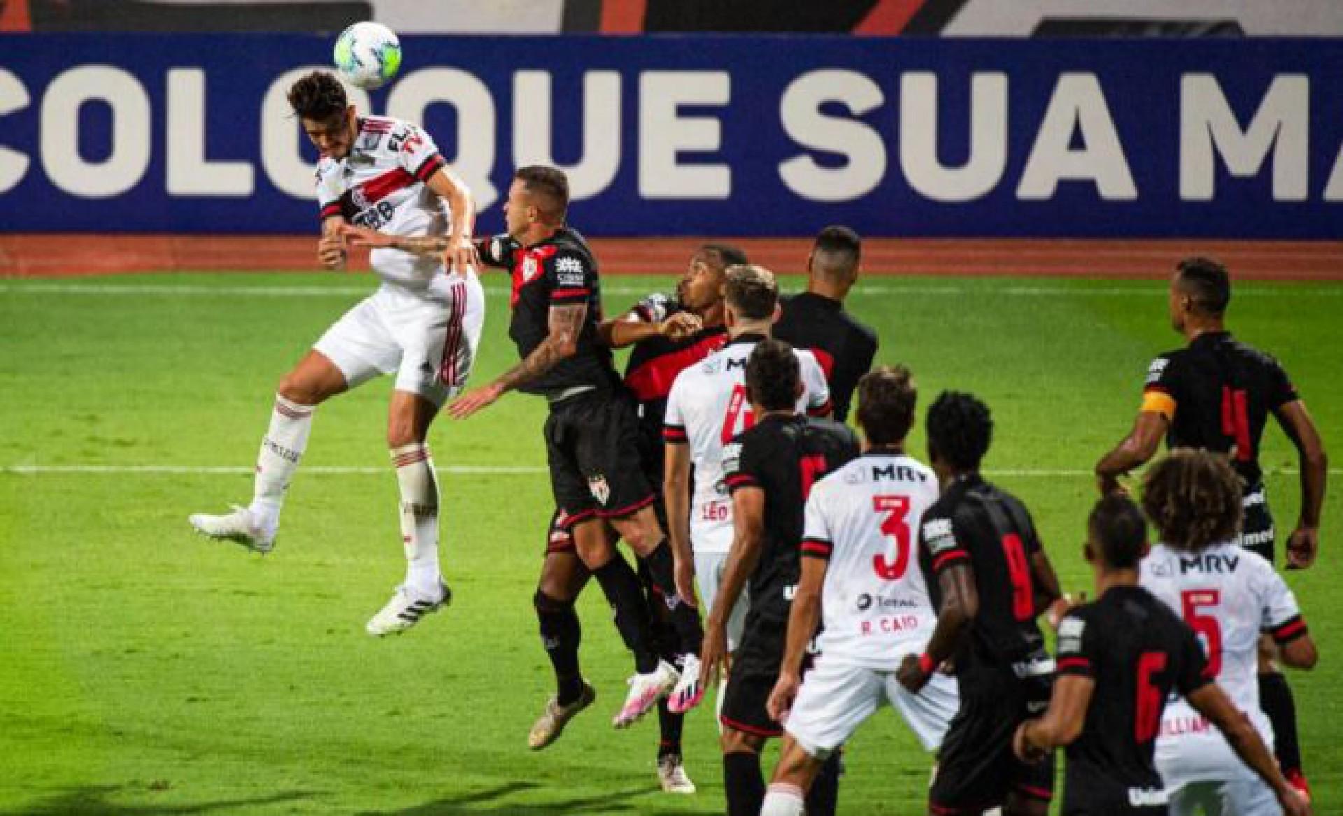 Coritiba X Flamengo Pelo Brasileirao Onde Assistir A Transmissao Ao Vivo E Que Horas E O Jogo Futebol Esportes O Povo