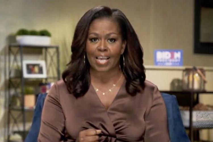 A ex-primeira-dama Michelle Obama saiu em defesa de Joe Biden e fez críticas abertas a Donald Trump  (Foto: AFP / DEMOCRATIC NATIONAL CONVENTION)